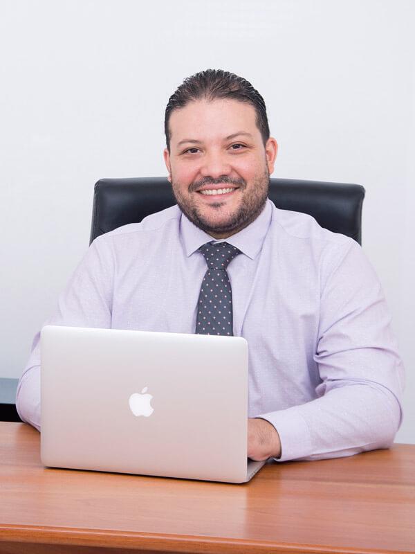 Dr. Andrés Morales